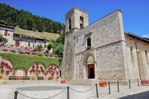 Pescasseroli Chiesa dei Santi Pietro e Paolo